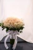 Ten ręka kwiatu bukiet dla panny młodej Obraz Royalty Free