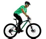 Tenager chłopiec rower górski bking odizolowywających cienie zdjęcia royalty free