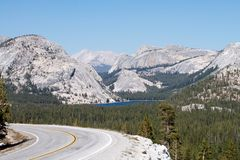 Tenaya Lake and highway 120 in Yosemite Stock Photography