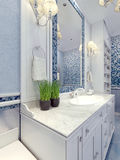Tendência azul do banheiro de Provence Imagens de Stock Royalty Free