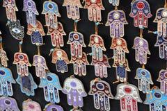 Tenda com mãos de pendentes de Fatima imagens de stock