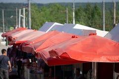 Tenda d'annata la tenda rossa il rosso bianco tradizionale immagini stock