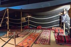 Tenda di campeggio beduina alla mostra nel museo a Amman, la capitale dell'automobile di re Abdullah II della Giordania immagini stock libere da diritti