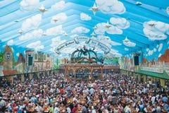 Tenda di Oktoberfest fotografia stock libera da diritti