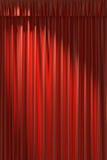Tenda di seta rossa nell'ambito della luce diagonale del punto Fotografia Stock