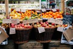 Tenda do fruto Fotografia de Stock Royalty Free