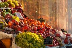 Tenda do fruto do mantimento fotografia de stock royalty free