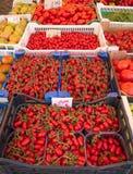 Tenda do mercado com tomates Foto de Stock