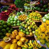 Tenda exótica dos frutos imagem de stock