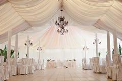 Tenda foranea per la celebrazione delle nozze immagini stock libere da diritti