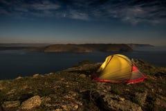 Tenda illuminata alla notte Fotografie Stock