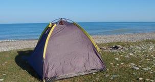 Tenda sulla spiaggia archivi video