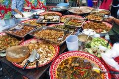 Tenda tailandesa do alimento da rua em Banguecoque Tailândia foto de stock