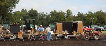 Tendas que estão sendo estabelecido-seas em um evento agrícola no paducah Imagens de Stock Royalty Free