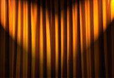 Tende brillantemente illuminate - concetto del teatro fotografia stock libera da diritti
