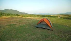 Tende di campeggio ad un campeggio Fotografia Stock Libera da Diritti