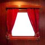 Tende rosse sulla finestra immagini stock libere da diritti