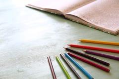 Tendencia adulta del libro de colorear, para el alivio de tensión Imagen de archivo libre de regalías