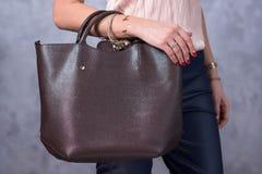 Tendencias de la moda de los bolsos Ciérrese para arriba de bolso elegante magnífico Fashionab Foto de archivo libre de regalías