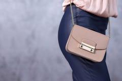 Tendenze di modo delle borse Chiuda su della borsa alla moda splendida Fashionab Fotografia Stock