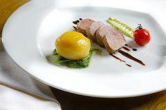 tenderloin πιάτων λευκό λαχανικών Στοκ φωτογραφίες με δικαίωμα ελεύθερης χρήσης