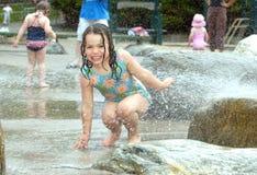 Tendo o divertimento na água Foto de Stock