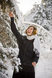 Tendo o divertimento na cena do inverno Fotos de Stock Royalty Free