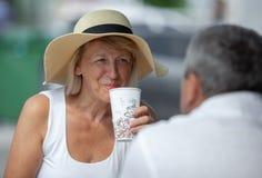 Tendo uma ruptura de caf? fotografia de stock royalty free