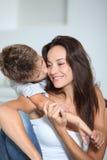 Tendresse de famille Photographie stock libre de droits
