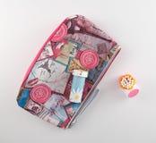 Tenedor cosmético de la esponja del bolso y de algodón Fotografía de archivo libre de regalías