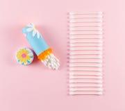 Tenedor de la esponja de algodón del viaje y fila de esponjas Imagen de archivo