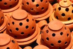 Tenedores de incienso arcilla La India Fotos de archivo