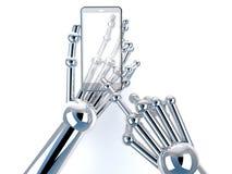 Tenencia y tacto robóticos de la mano en el teléfono elegante transparente Foto de archivo libre de regalías