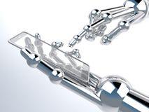 Tenencia y tacto robóticos de la mano en Smartphone transparente Fotos de archivo libres de regalías