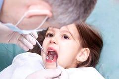 Tener un control dental Foto de archivo libre de regalías