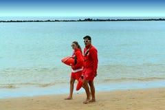 Tenerife - 24 Μαΐου 2018 Ένα ζευγάρι του patrollin lifeguards Canaryan Στοκ Φωτογραφίες