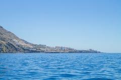 Tenerife μπλε ωκεανός και φύση Μεγάλοι απότομοι βράχοι και ήλιος Στοκ φωτογραφίες με δικαίωμα ελεύθερης χρήσης