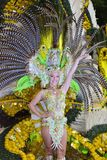 TENERIFE, στις 13 Φεβρουαρίου, χαρακτήρες και ομάδες στο καρναβάλι Στοκ Φωτογραφίες