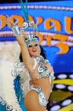 TENERIFE, 12 DE FEBRERO: Grupo en el carnaval Fotos de archivo libres de regalías