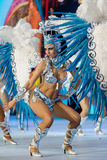TENERIFE, 12 DE FEBRERO: Grupo en el carnaval Foto de archivo