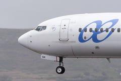TENERIFE 19 DE MAYO: Avión a la tierra 19 de mayo de 2017, islas Canarias de Tenerife Foto de archivo libre de regalías