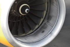 TENERIFE DEC 04: Detalj av en turbofan motor av en Boeing 757, December 04 2018 den Tenerife kanariefågeln är spain arkivfoton