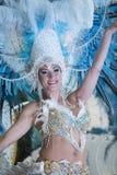 TENERIFE, EL 28 DE FEBRERO: Caracteres y grupos en el carnaval Imagen de archivo libre de regalías