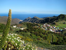 Tenerife, el valle de las montañas de Anaga, abajo de la ciudad del La Laguna Imagen de archivo libre de regalías