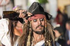 TENERIFE, 25 FEBRUARI: Karakters en Groepen in Carnaval Stock Foto's