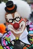 TENERIFE FEBRUARI 17: Karnevalgrupper och kostymerade tecken Royaltyfri Foto