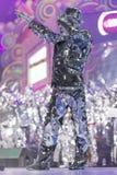 TENERIFE JANUARI 20: Karnevalgrupper och kostymerade tecken Arkivfoto