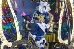 TENERIFE JANUARI 24: Tecken och grupper i karnevalet Royaltyfri Foto