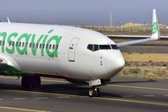 TENERIFE 17 JULI: Vliegtuig aan land 17 juli, 2017, de Canarische Eilanden Spanje van Tenerife Stock Afbeeldingen