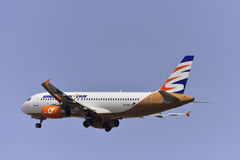 TENERIFE 17 JULI: Vliegtuig het opstijgen 17 juli, 2017, Tenerife kan Royalty-vrije Stock Fotografie